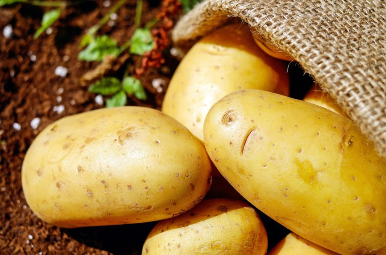 potatoes 1585060 1920