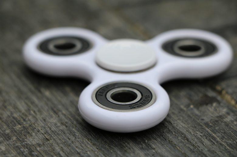 fidget spinner 2329469 1920