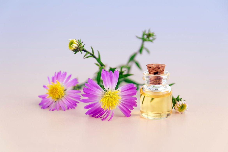 cosmetic oil 3197276 1920