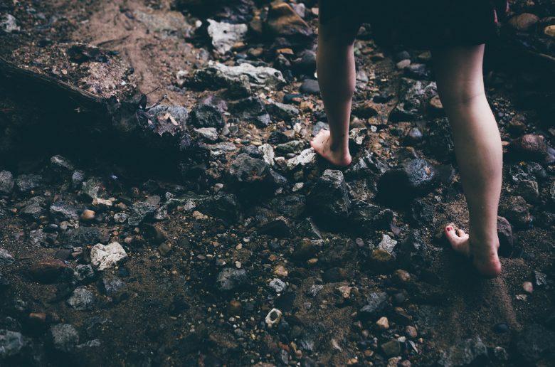 barefoot 1149848 1920