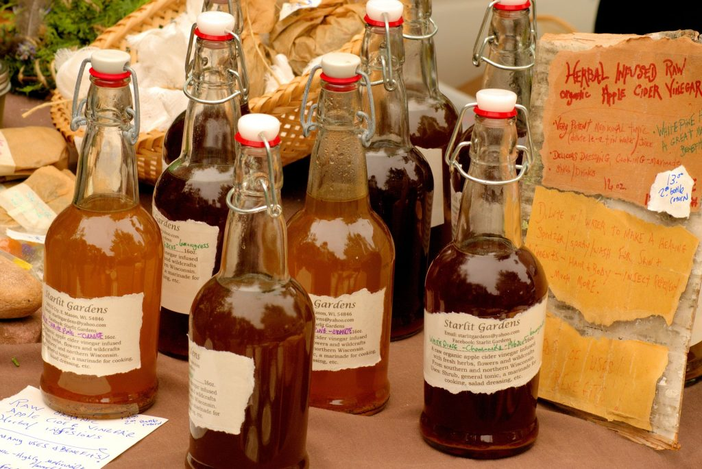 apple cider vinegar 3506650 1920