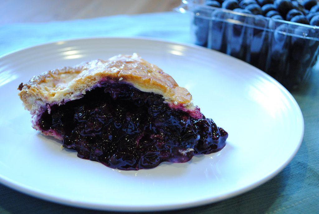 Paleo Gluten-Free, Dairy-Free Blueberry pie