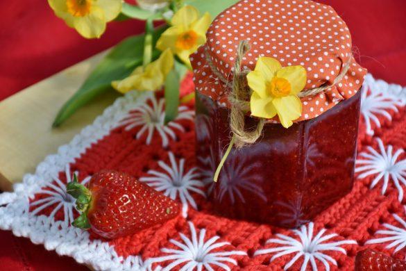 strawberry-jam-1329426_1920
