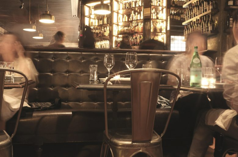 bar-498415_1920