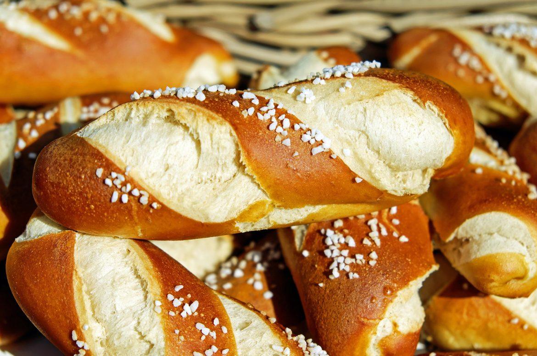 pretzels-1491789_1920